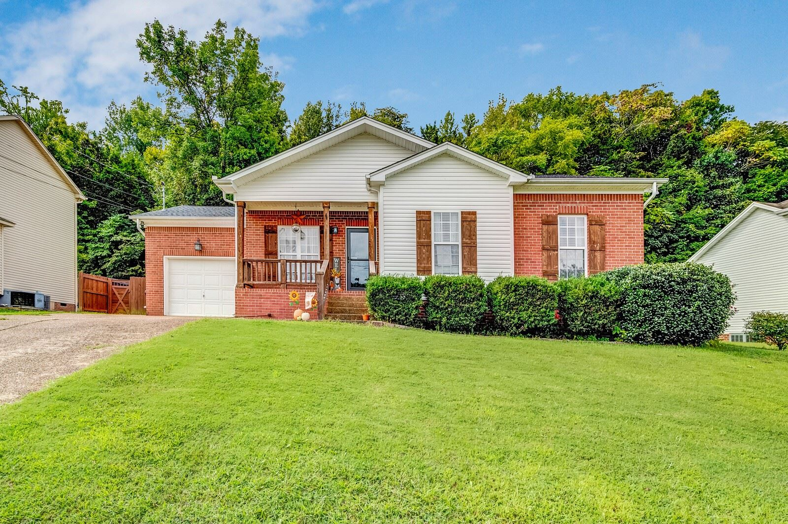 421 Brownstone St, Old Hickory, TN 37138 - MLS#: 2292166