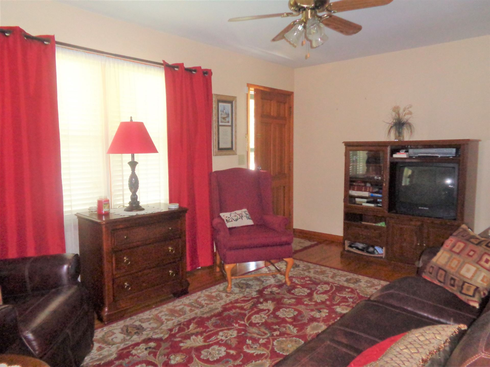 Photo of 702 7th St, Lawrenceburg, TN 38464 (MLS # 2175169)