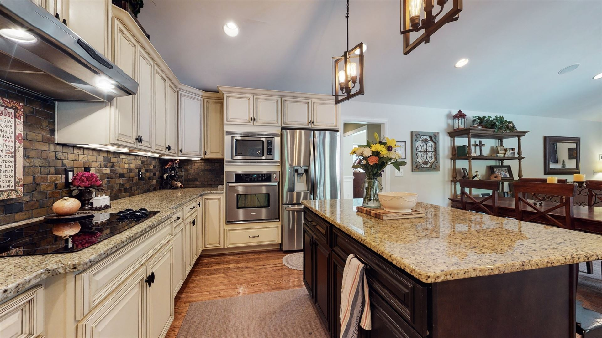 Photo of 402 Cornwall Dr, Brentwood, TN 37027 (MLS # 2261173)