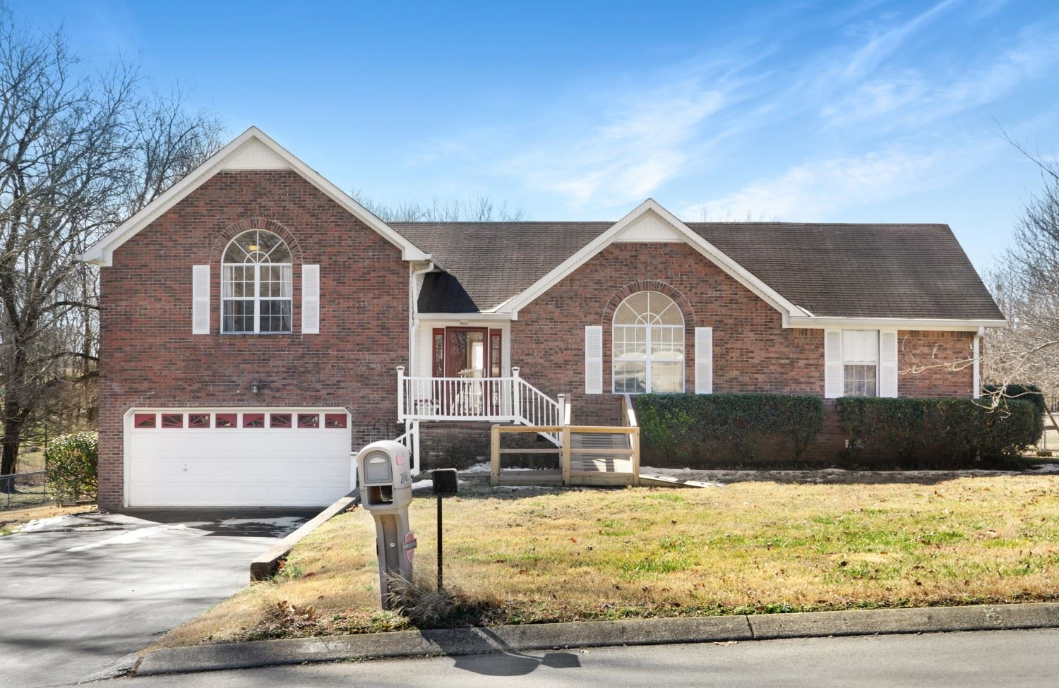 Photo of 2005 Big Oak Dr, Spring Hill, TN 37174 (MLS # 2231178)