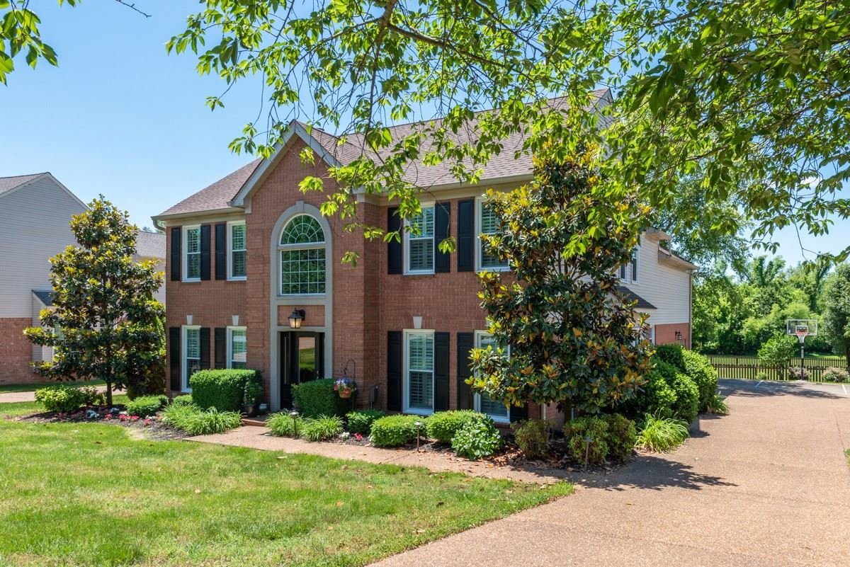 Photo of 1555 Aberdeen Dr, Brentwood, TN 37027 (MLS # 2165186)