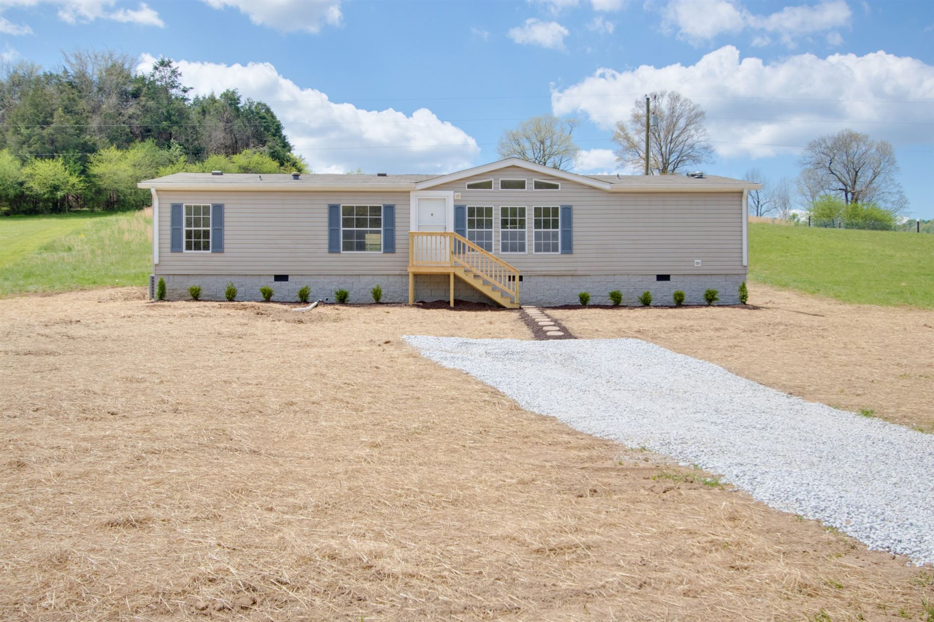 24 Young Rd, Buffalo Valley, TN 38548 - MLS#: 2240186