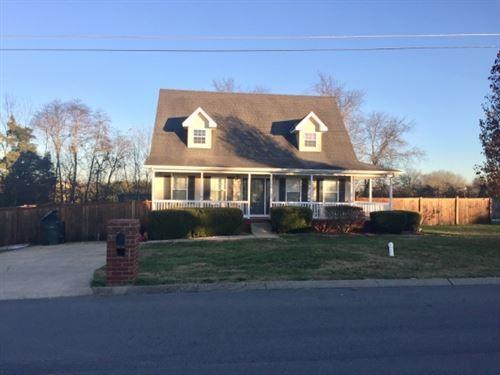 Photo of 1003 Saul Dr S, Portland, TN 37148 (MLS # 2225192)