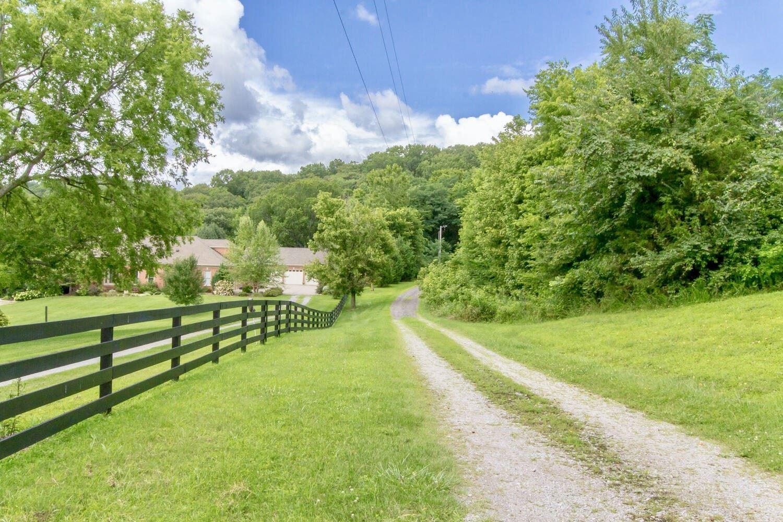 Photo of 4572 Peytonsville Rd, Franklin, TN 37064 (MLS # 2275213)