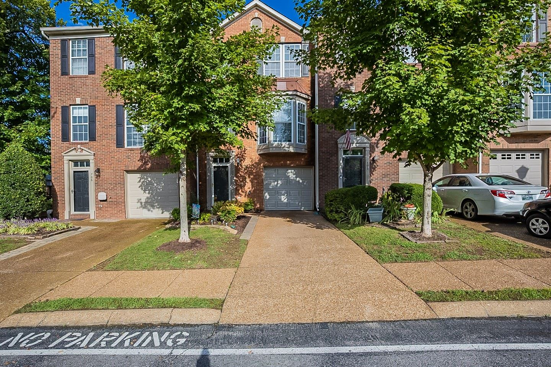 Photo of 704 Huffine Manor Cir, Franklin, TN 37067 (MLS # 2295214)