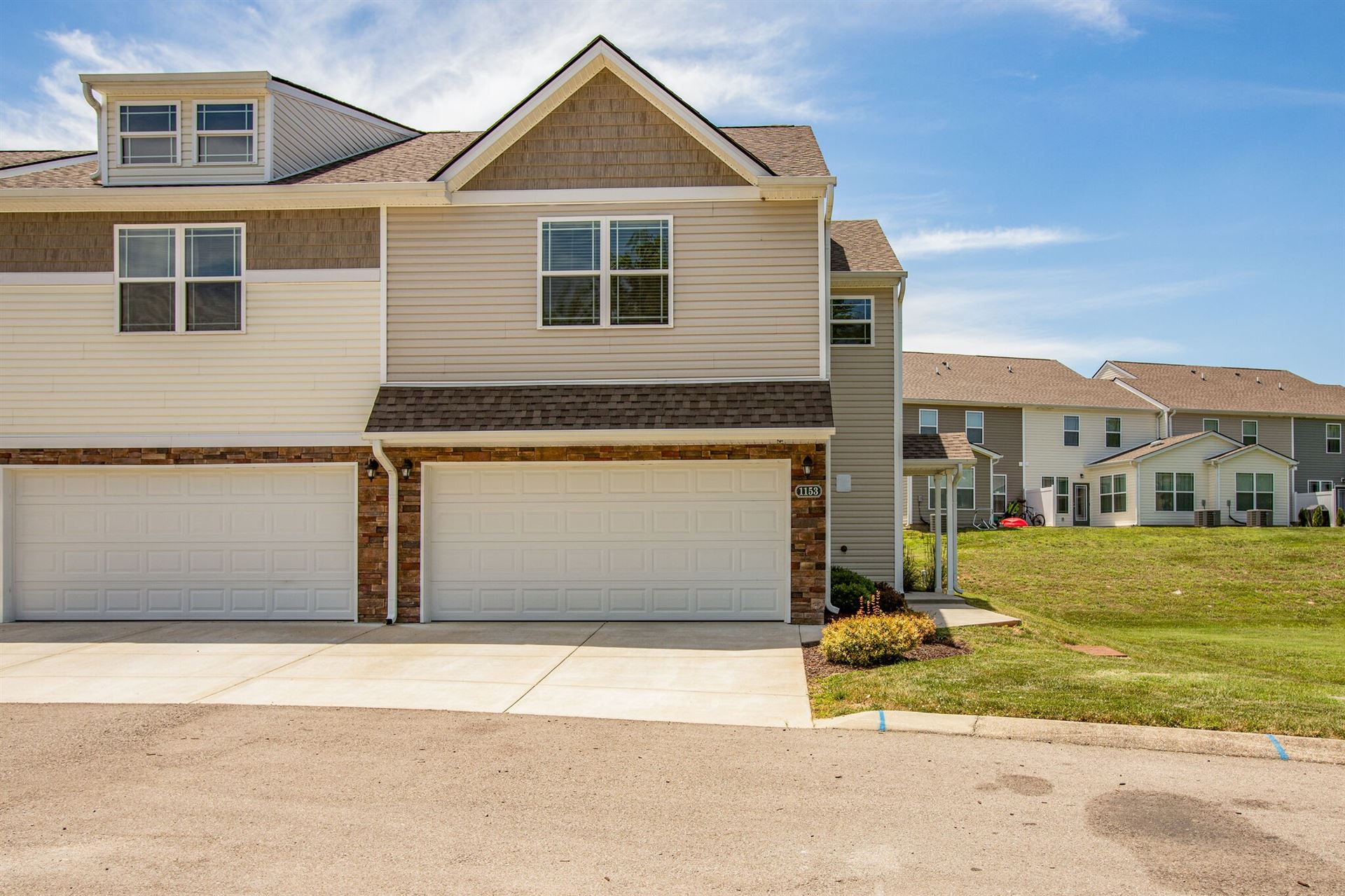 Photo of 1153 Somerset Springs Dr, Spring Hill, TN 37174 (MLS # 2264217)