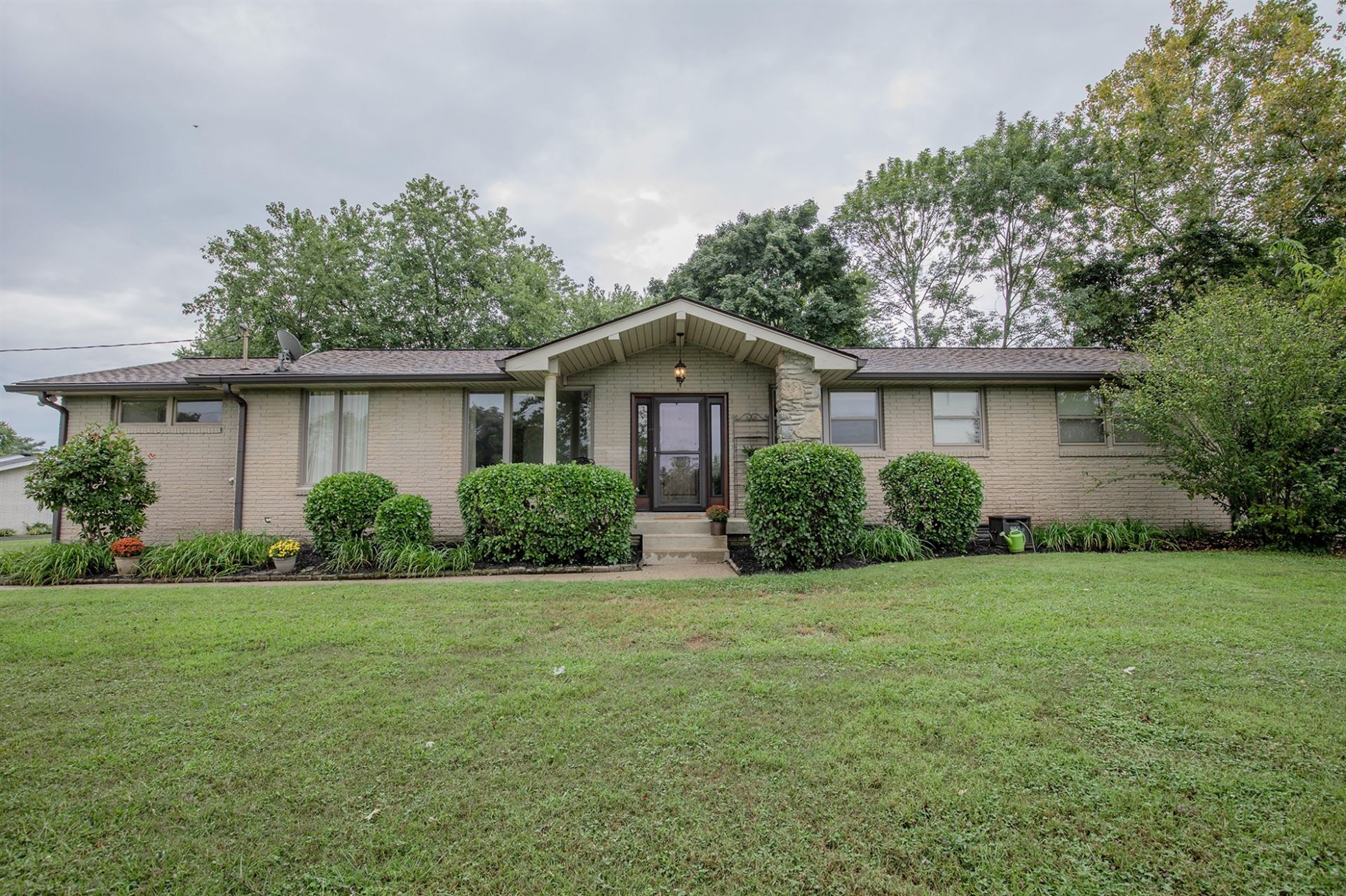 111 La Greta Dr, Hendersonville, TN 37075 - MLS#: 2292217