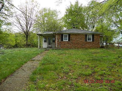 Photo of 59 W Stinson Rd, Westmoreland, TN 37186 (MLS # 2144220)