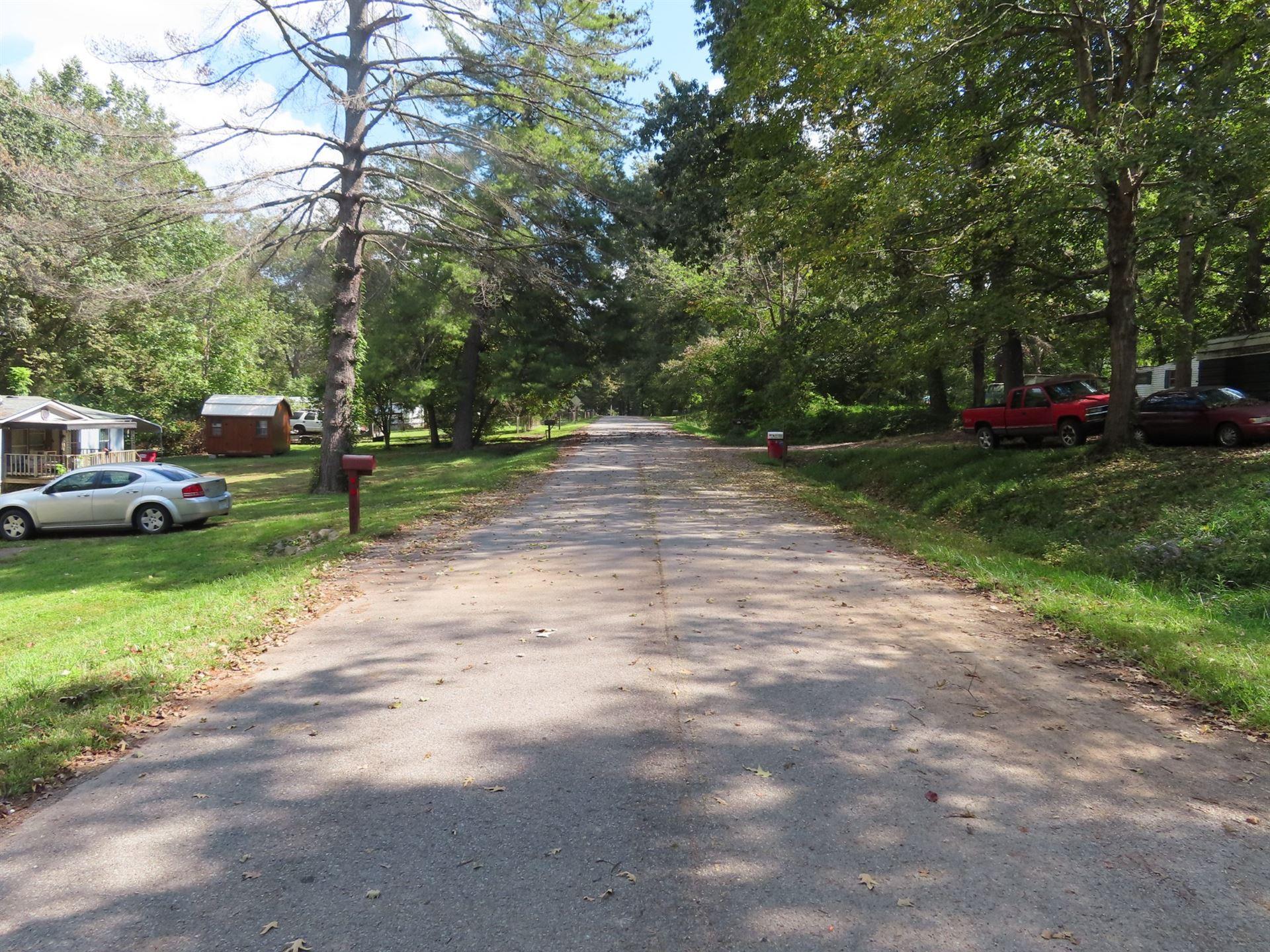 Photo of 916 Hilltop Ct, Clarksville, TN 37042 (MLS # 2295232)
