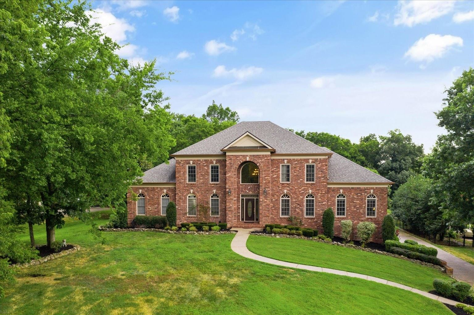 Photo of 353 Lake Valley Dr, Franklin, TN 37069 (MLS # 2274241)