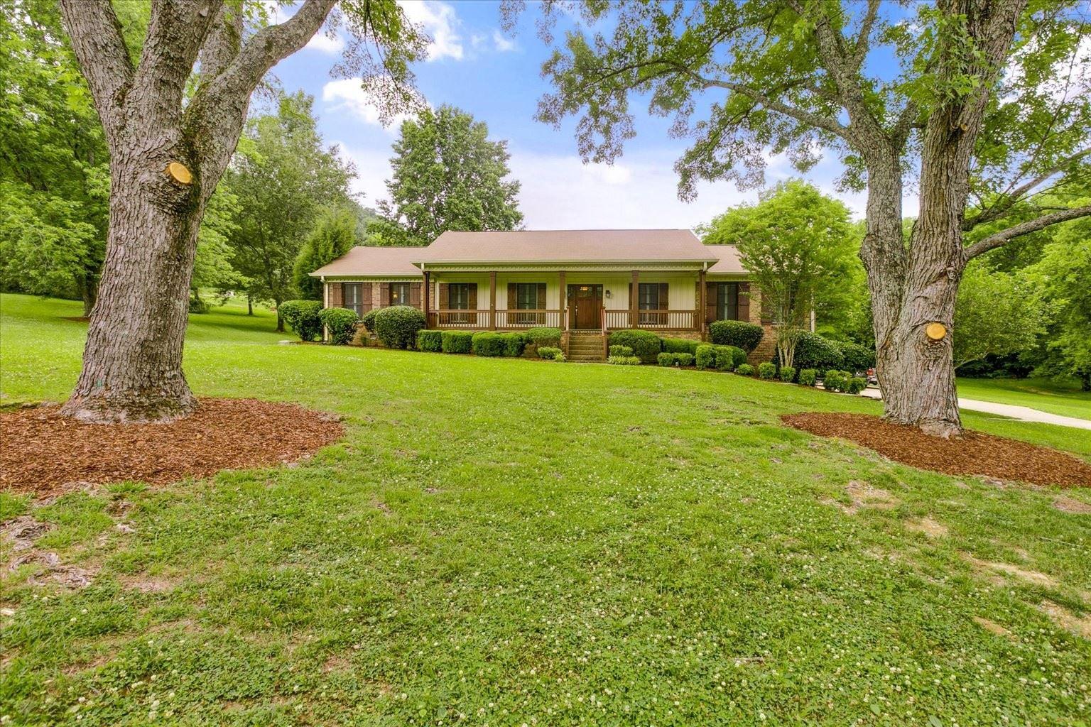 Photo of 107 Century Oak Dr, Franklin, TN 37069 (MLS # 2262243)