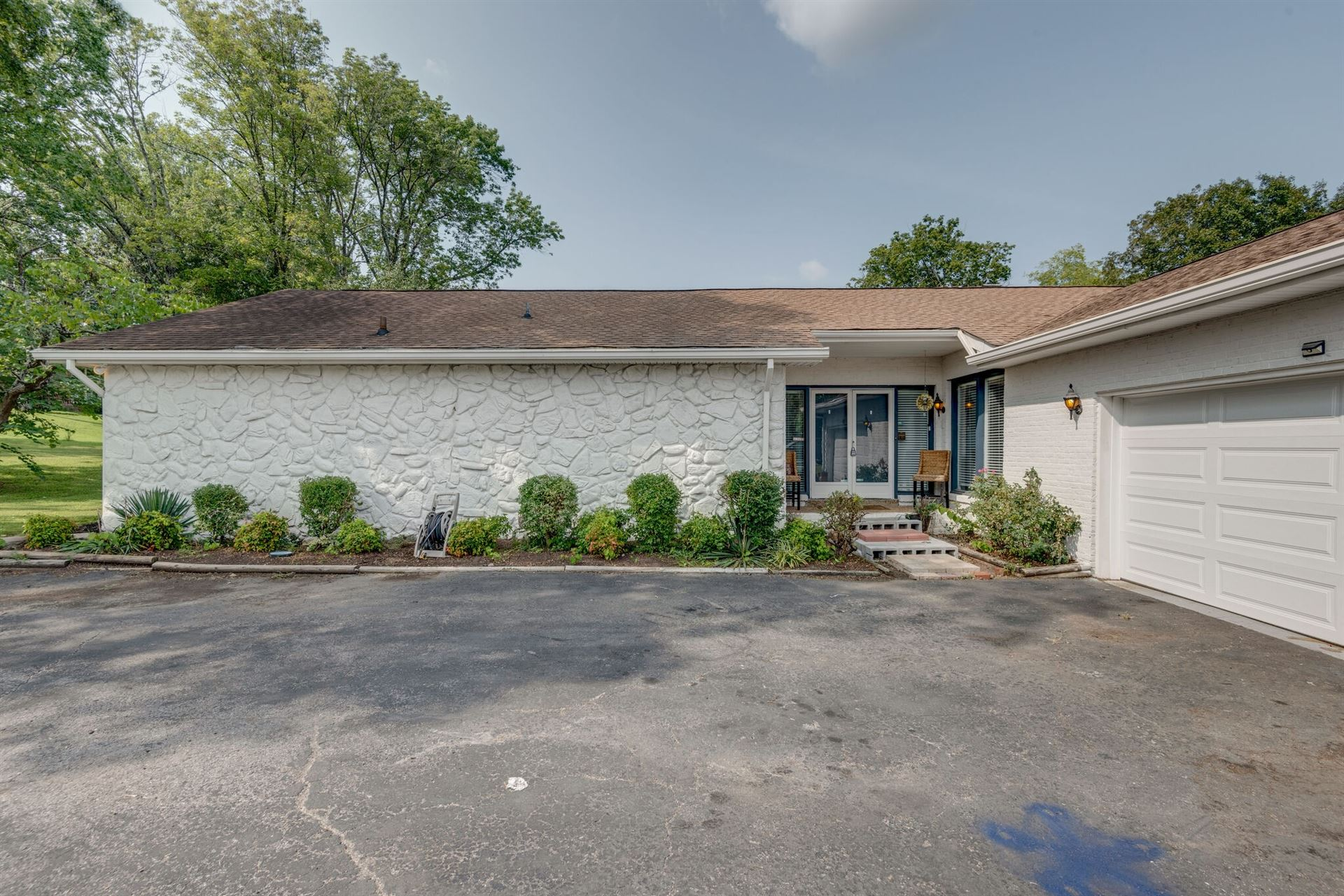 Photo of 4052 Port Cleburne Ln, Hermitage, TN 37076 (MLS # 2187249)
