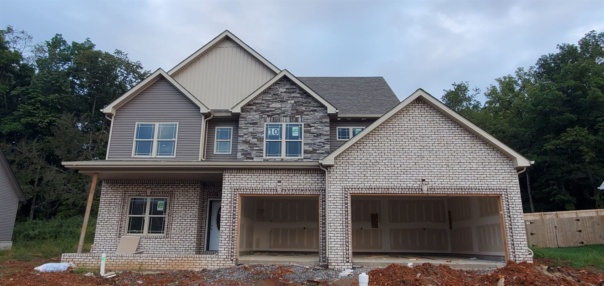 Photo of 10 River Chase, Clarksville, TN 37043 (MLS # 2292260)