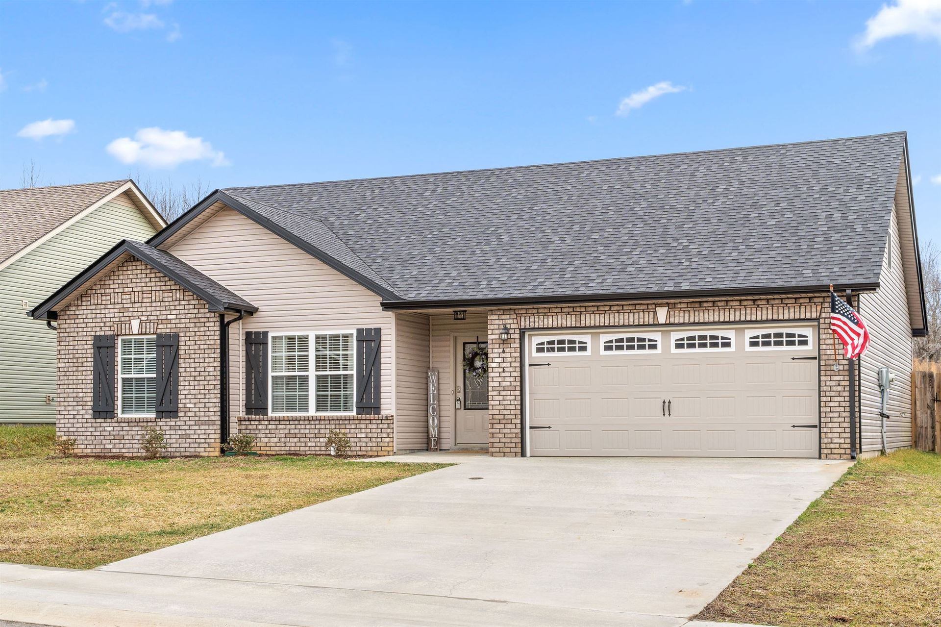 Photo of 616 Hollow Crest, Clarksville, TN 37043 (MLS # 2232270)