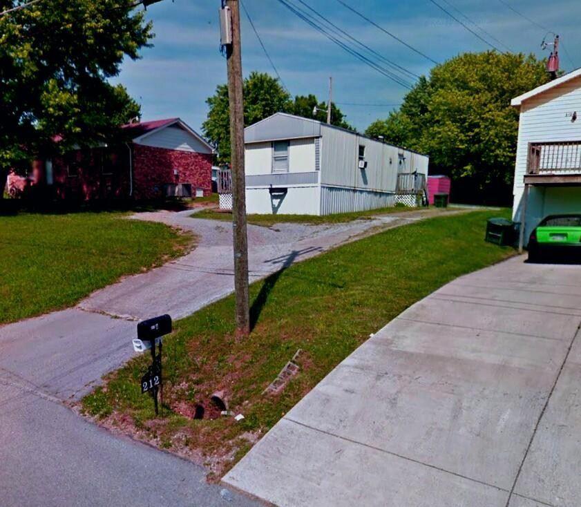210 E Hillcrest Dr, Springfield, TN 37172 - MLS#: 2302271