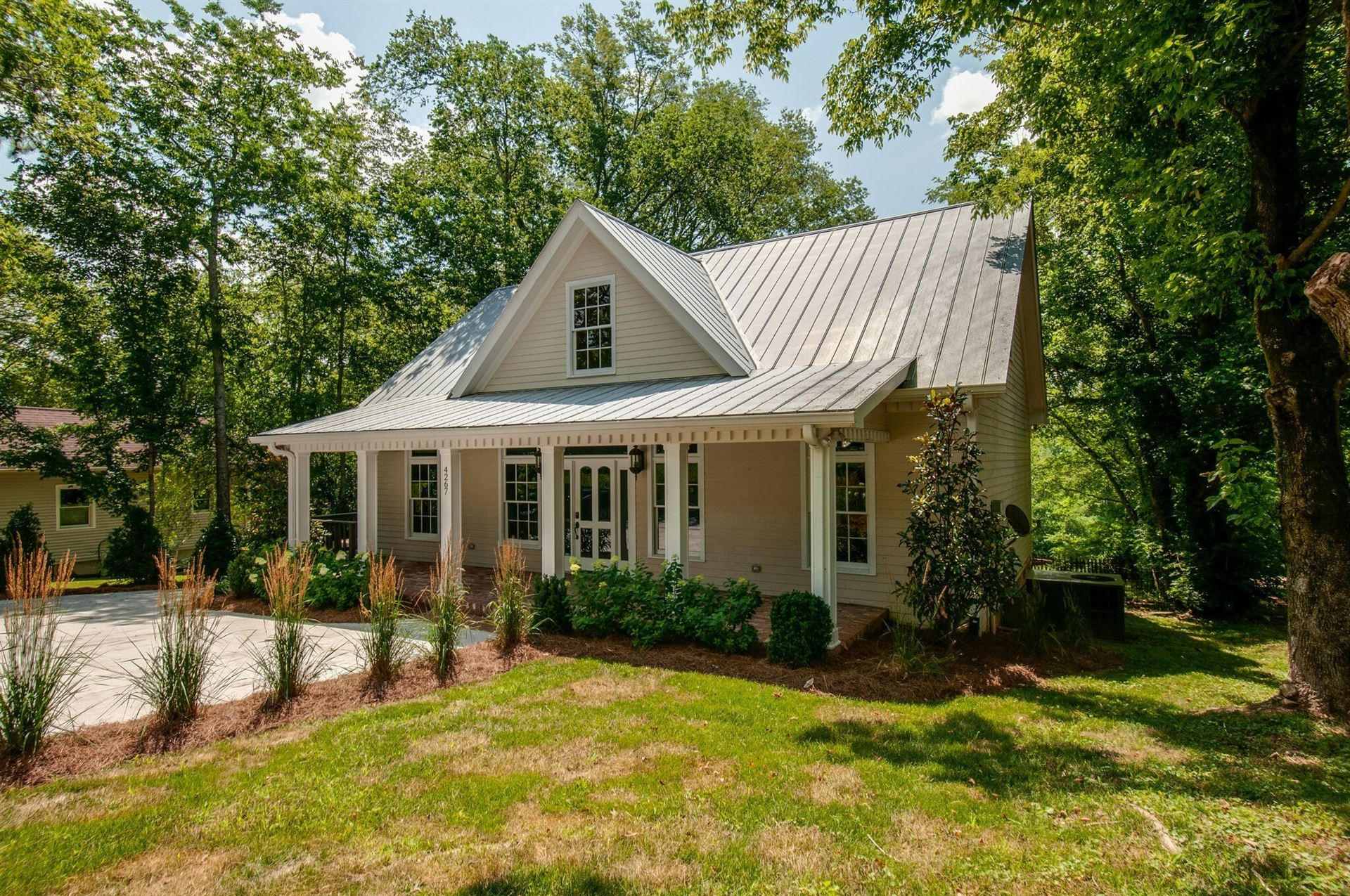 Photo of 4267 Old Hillsboro Rd, Franklin, TN 37064 (MLS # 2218275)