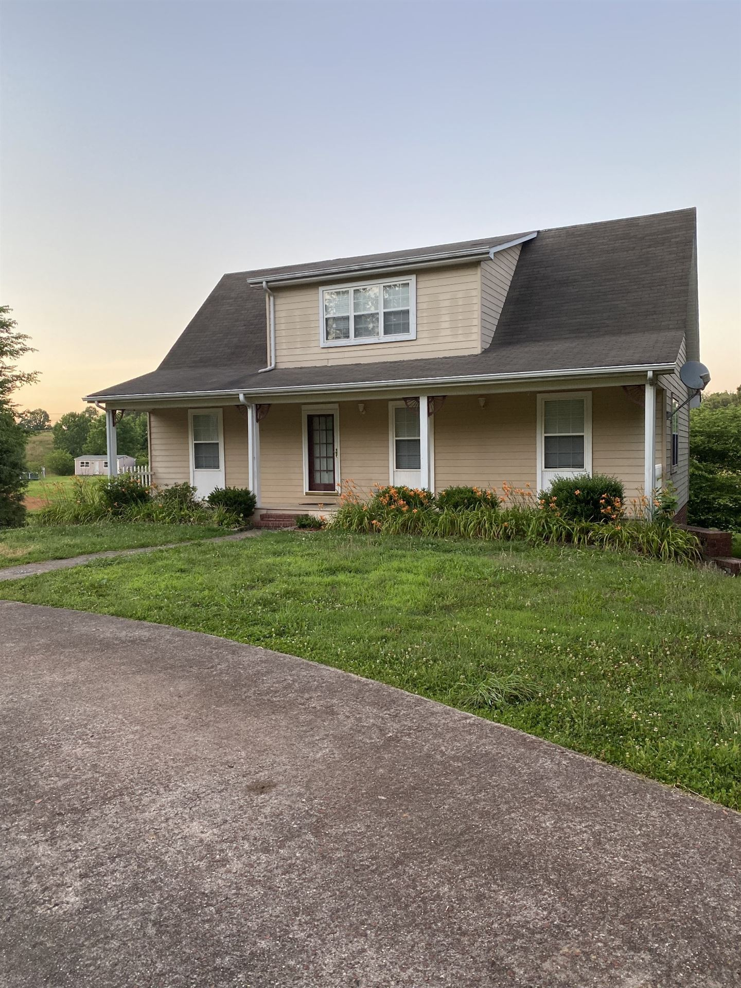 299 Lakeview Rd, Walling, TN 38587 - MLS#: 2265294