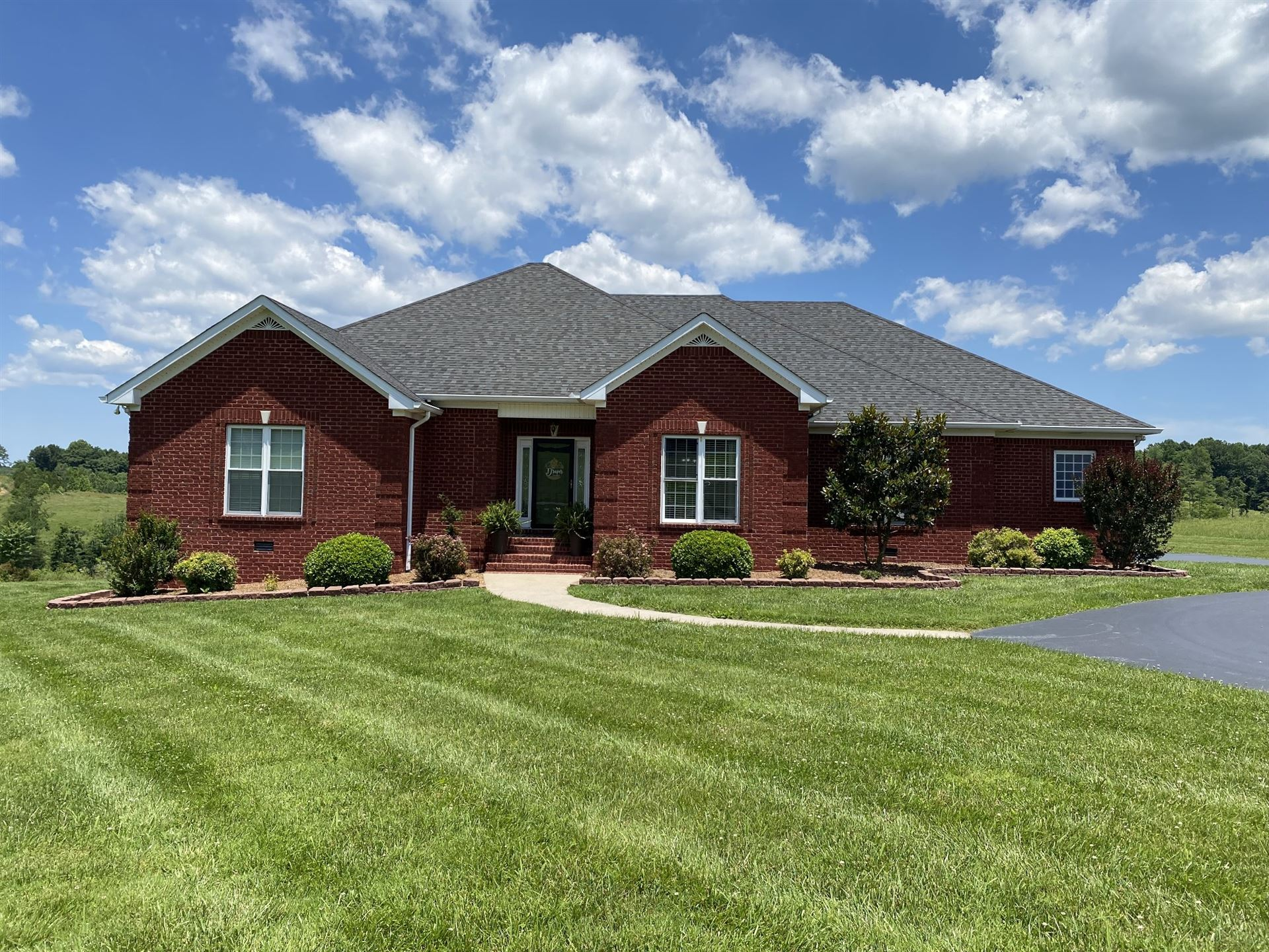 Photo of 201 Watercrest Ln, Red Boiling Springs, TN 37150 (MLS # 2263295)