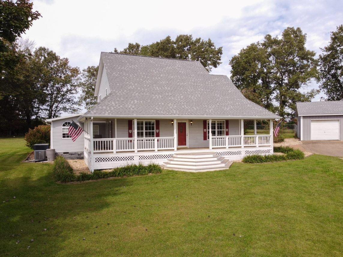 2517 Summer Oaks Cir, Summertown, TN 38483 - MLS#: 2293297