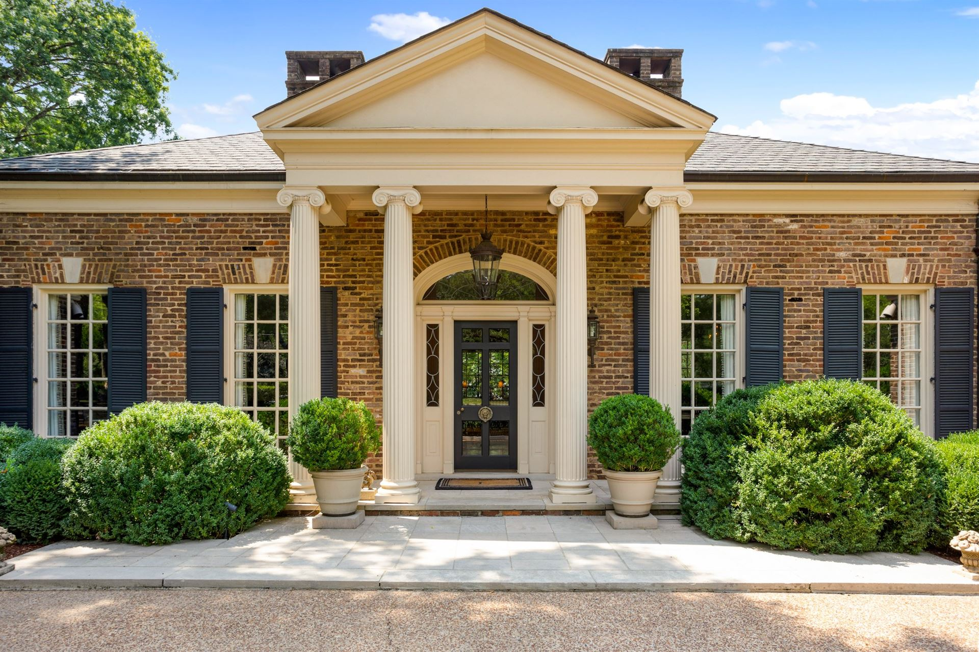 Photo of 1011 Belle Meade Blvd, Nashville, TN 37205 (MLS # 2175299)