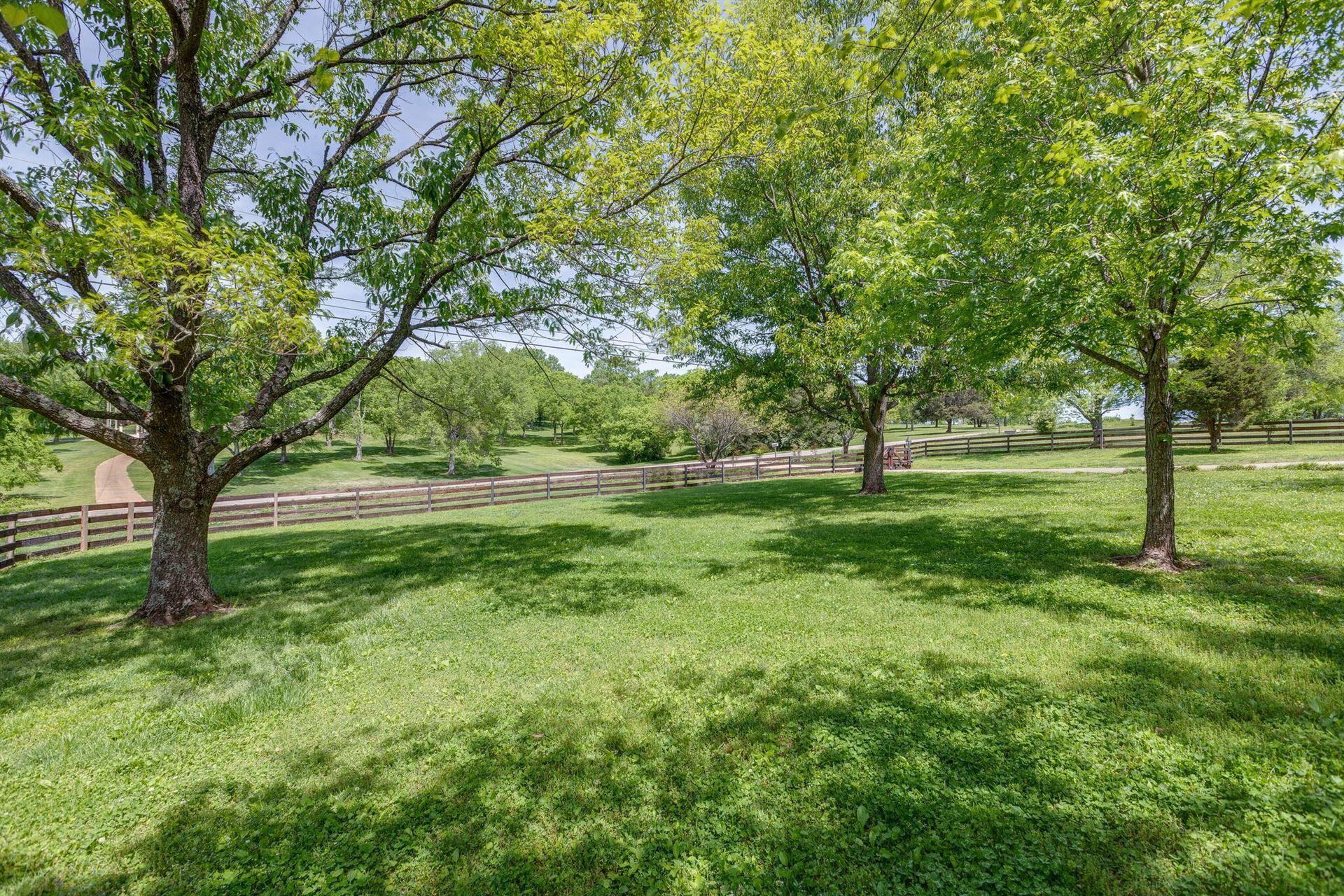 Photo of 1757 Old Hillsboro Rd, Franklin, TN 37069 (MLS # 2252301)
