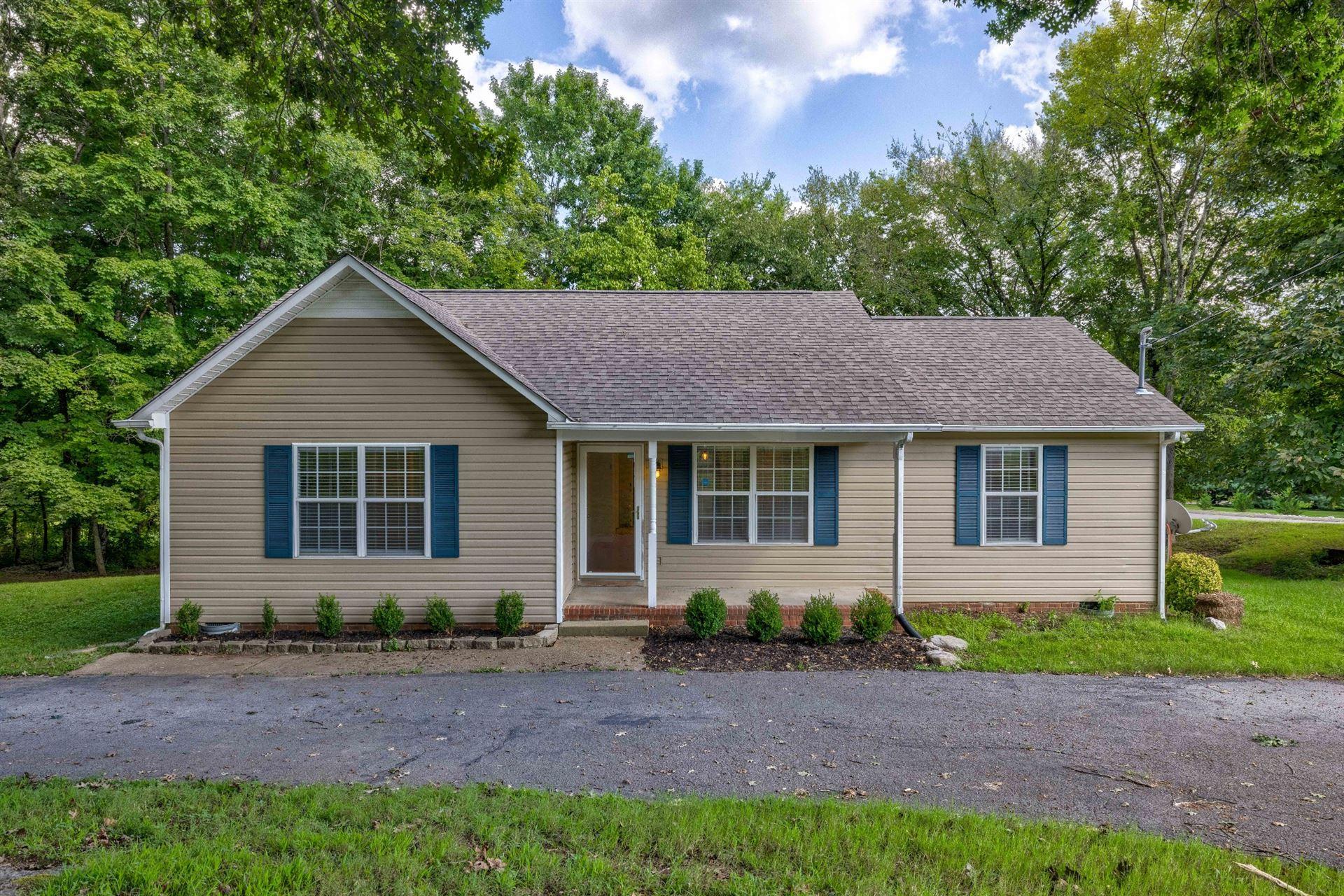 Photo of 2316 Pumpkin Creek Ln, Spring Hill, TN 37174 (MLS # 2286307)