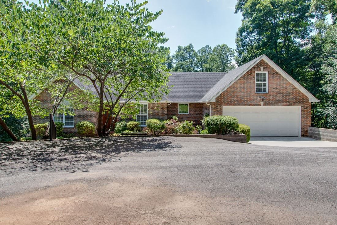 Photo of 144 Golf Shores Dr, Winchester, TN 37398 (MLS # 2263312)