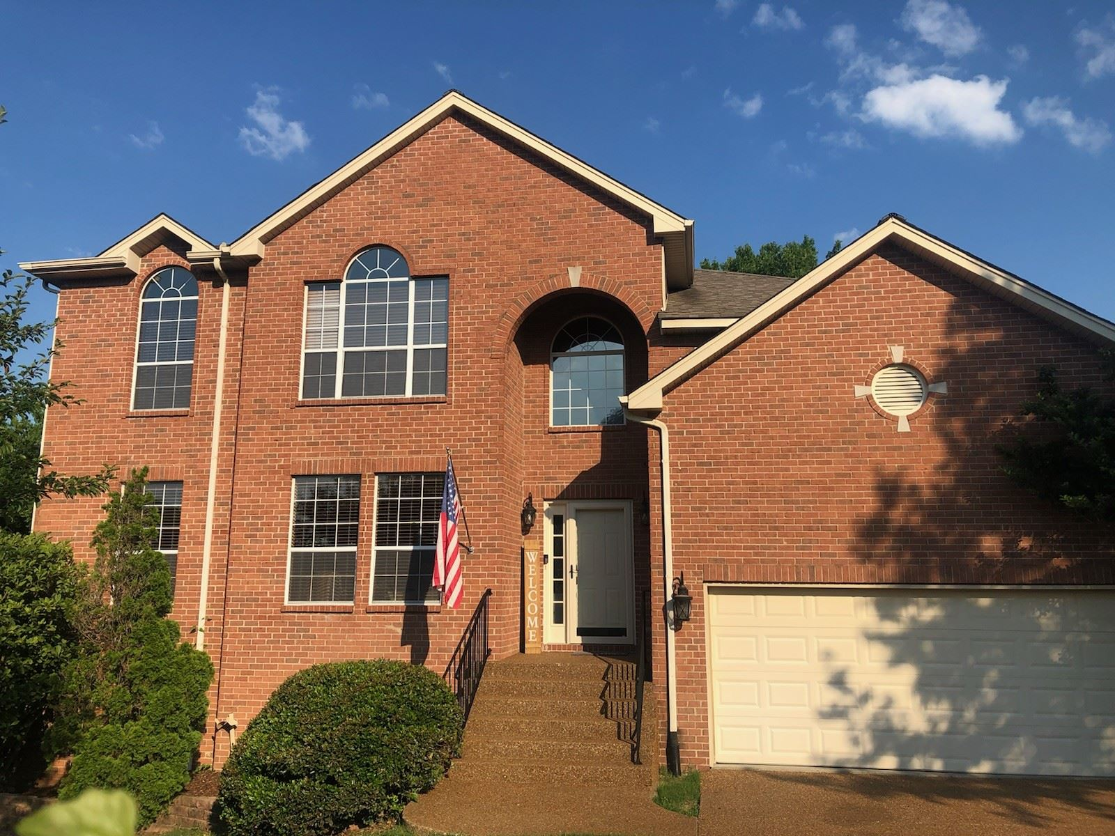 Photo of 1008 S Clubhouse Ct, Franklin, TN 37067 (MLS # 2262329)