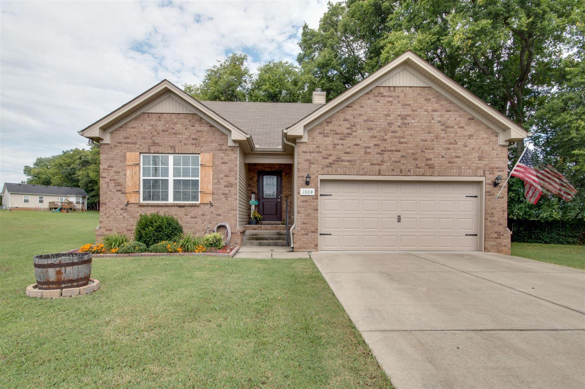 Photo of 1004 Glenda Dr, Murfreesboro, TN 37128 (MLS # 2300332)