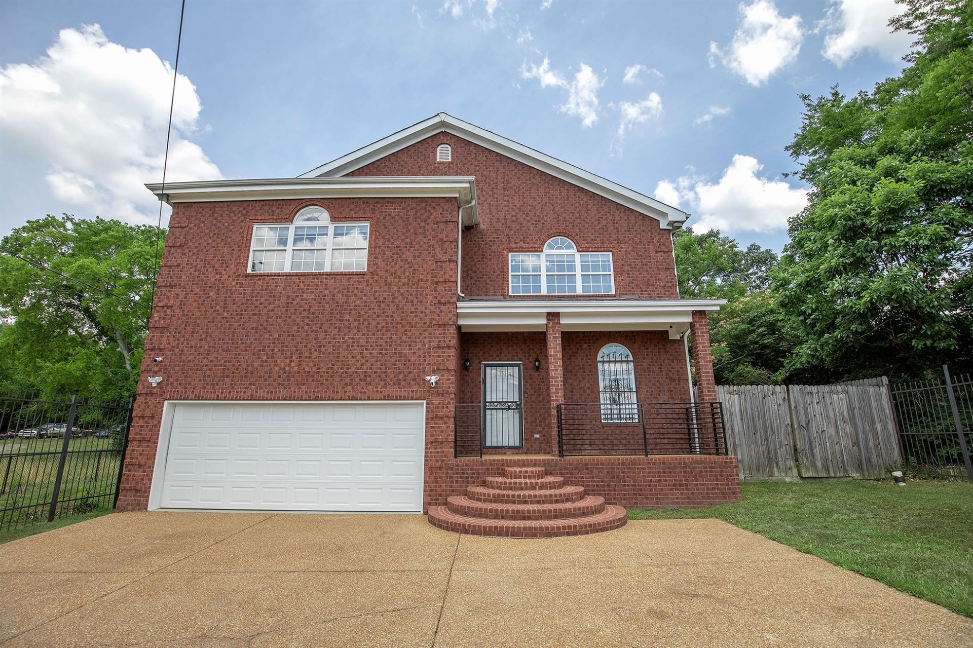 Photo of 925 Youngs Ln, Nashville, TN 37207 (MLS # 2266336)