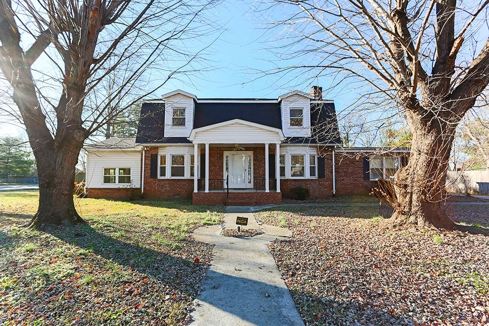 Photo of 2503 Regency Park Dr, Murfreesboro, TN 37129 (MLS # 2211340)