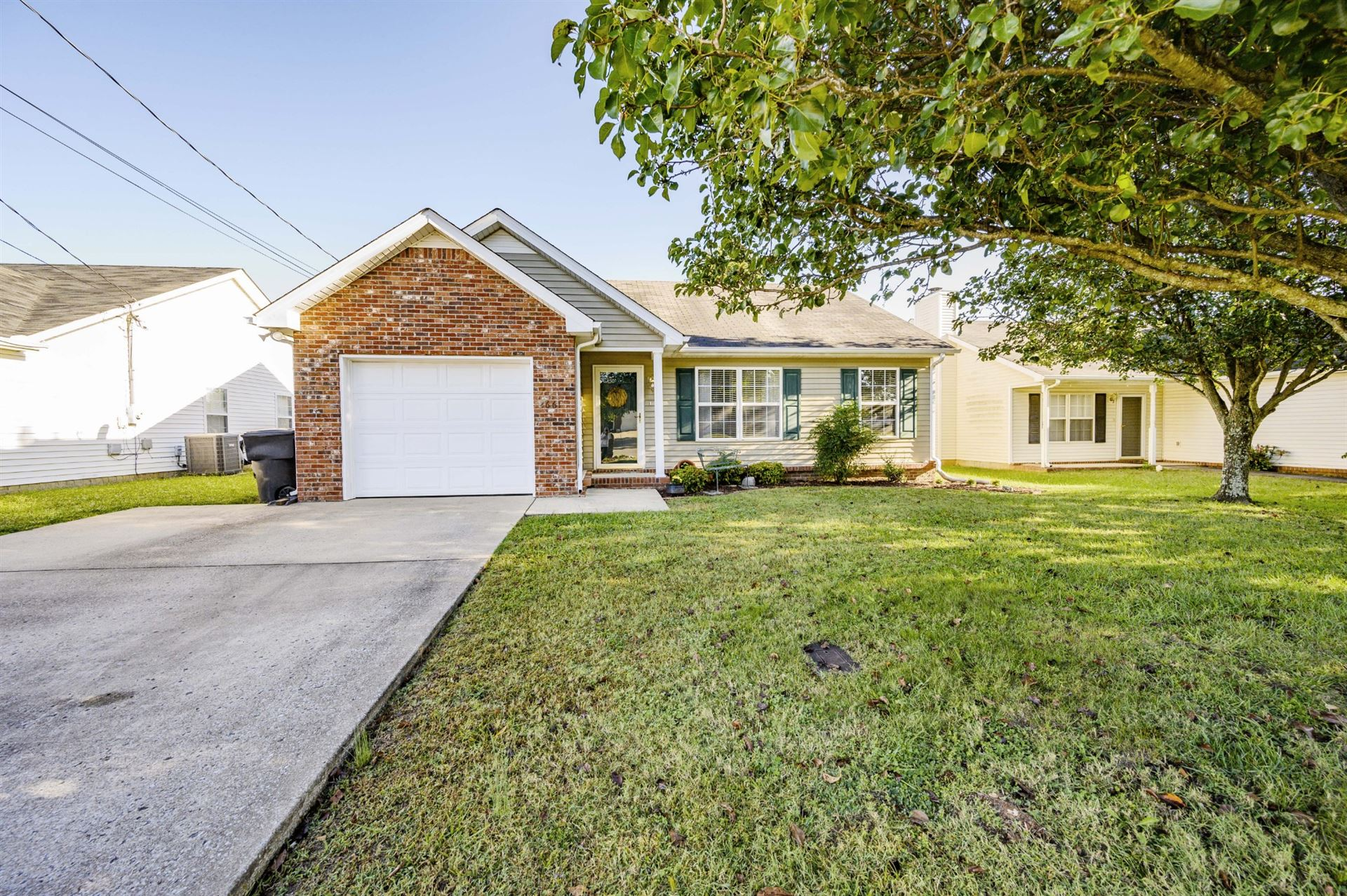 Photo of 2661 Gold Valley Dr, Murfreesboro, TN 37130 (MLS # 2222341)