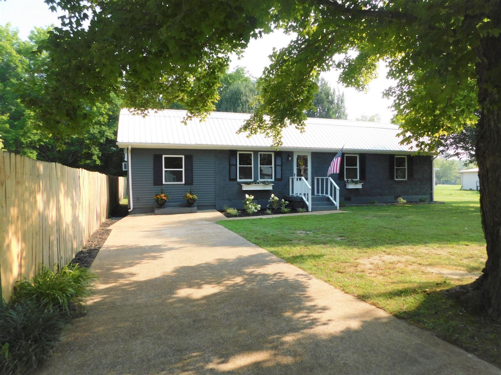 303 Forrest Ave, Hohenwald, TN 38462 - MLS#: 2275354