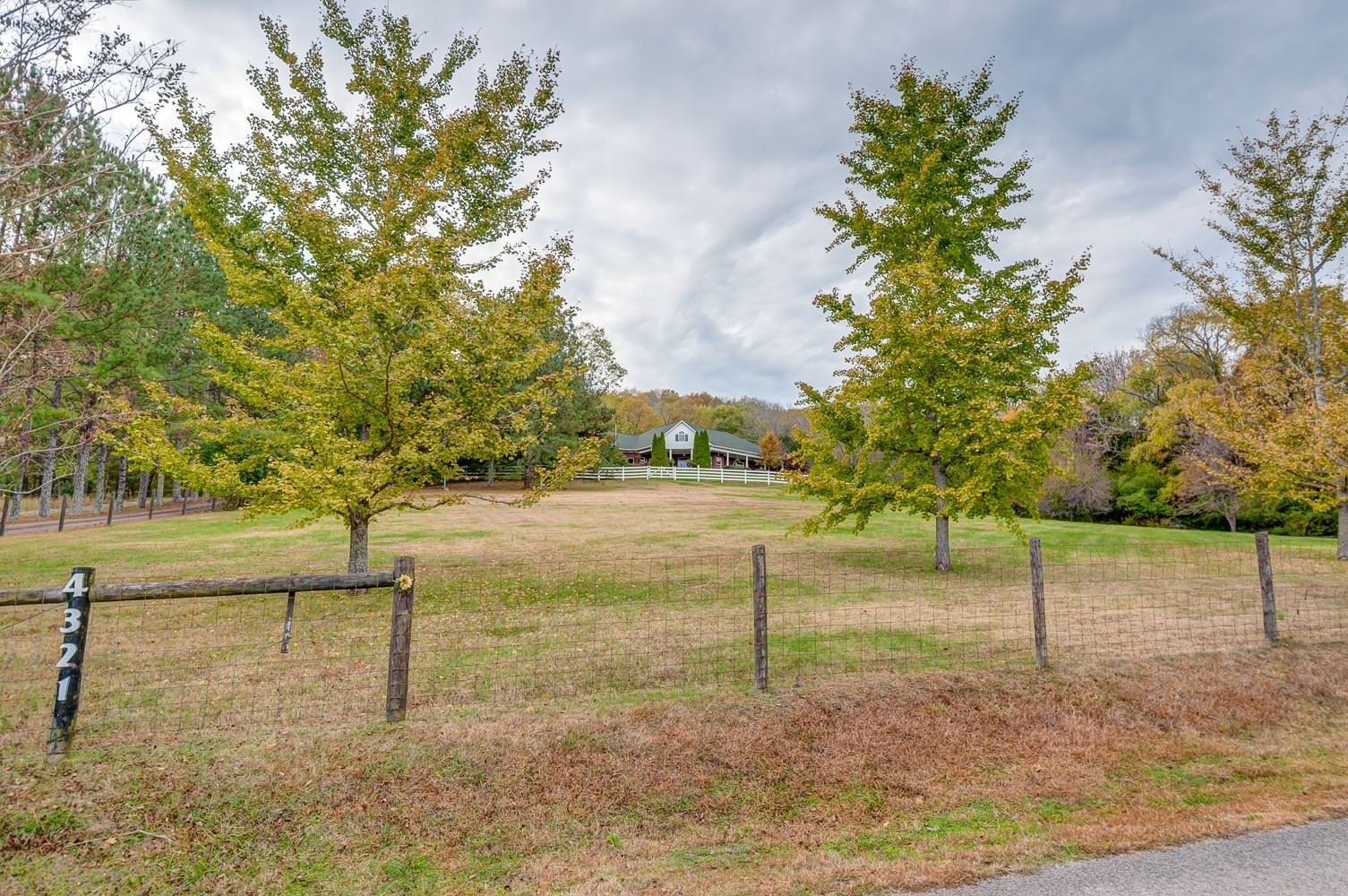 Photo of 4321 Long Ln, Franklin, TN 37064 (MLS # 2215357)
