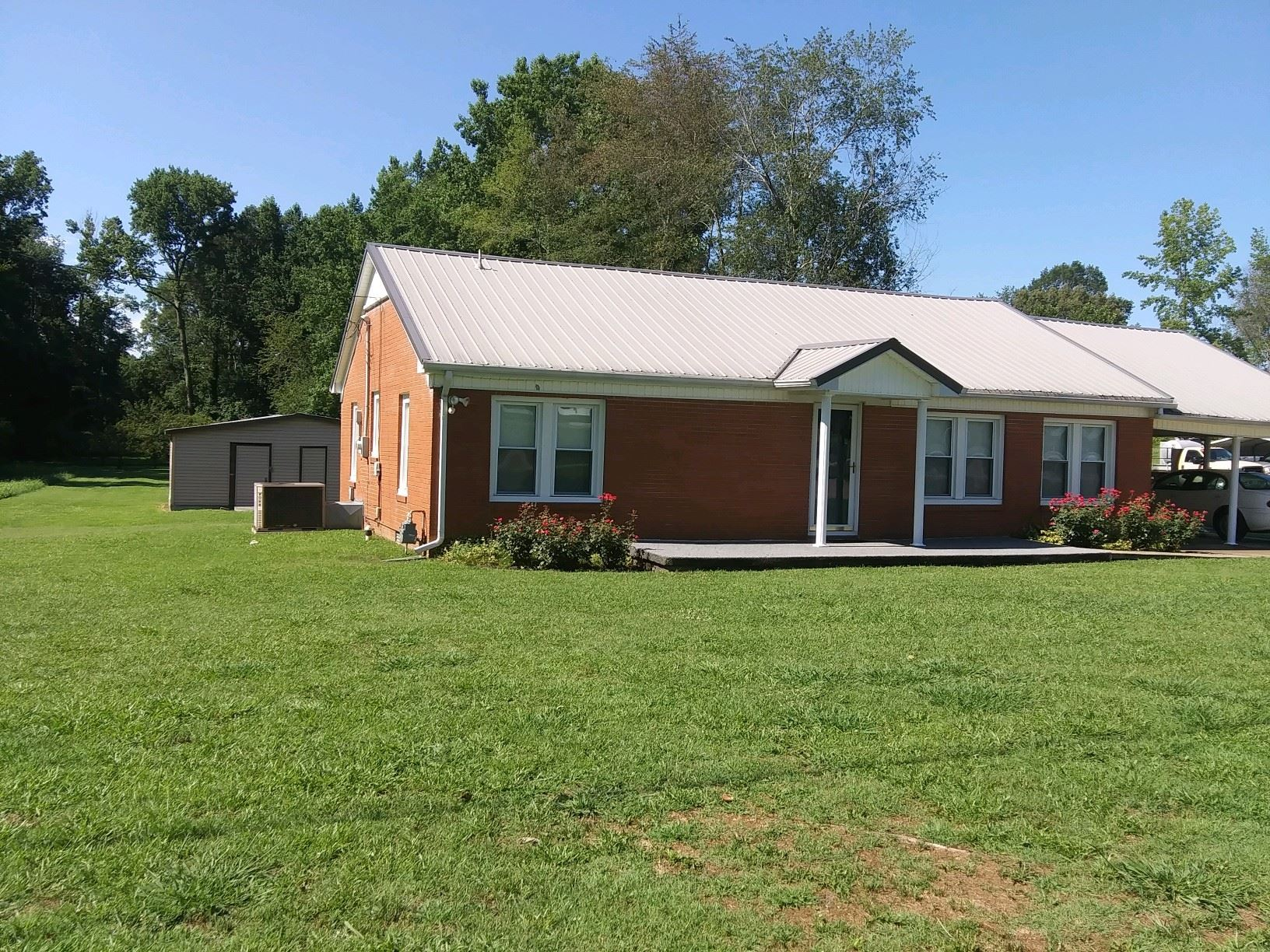 Photo of 753 Weakley Creek Rd, Lawrenceburg, TN 38464 (MLS # 2169361)