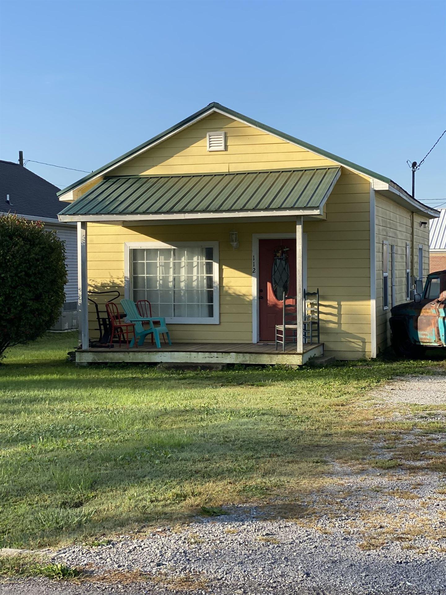 112 S Maple St, Tullahoma, TN 37388 - MLS#: 2300361