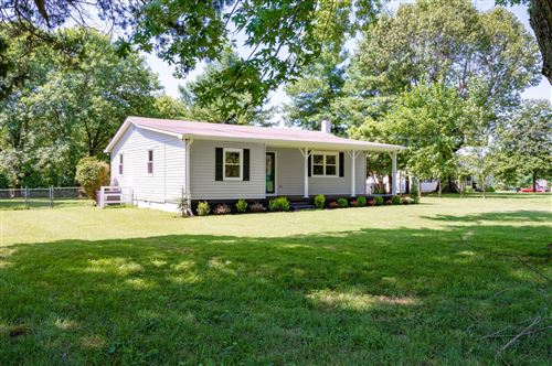 Photo of 232 Clearview Rd, Cottontown, TN 37048 (MLS # 2177363)