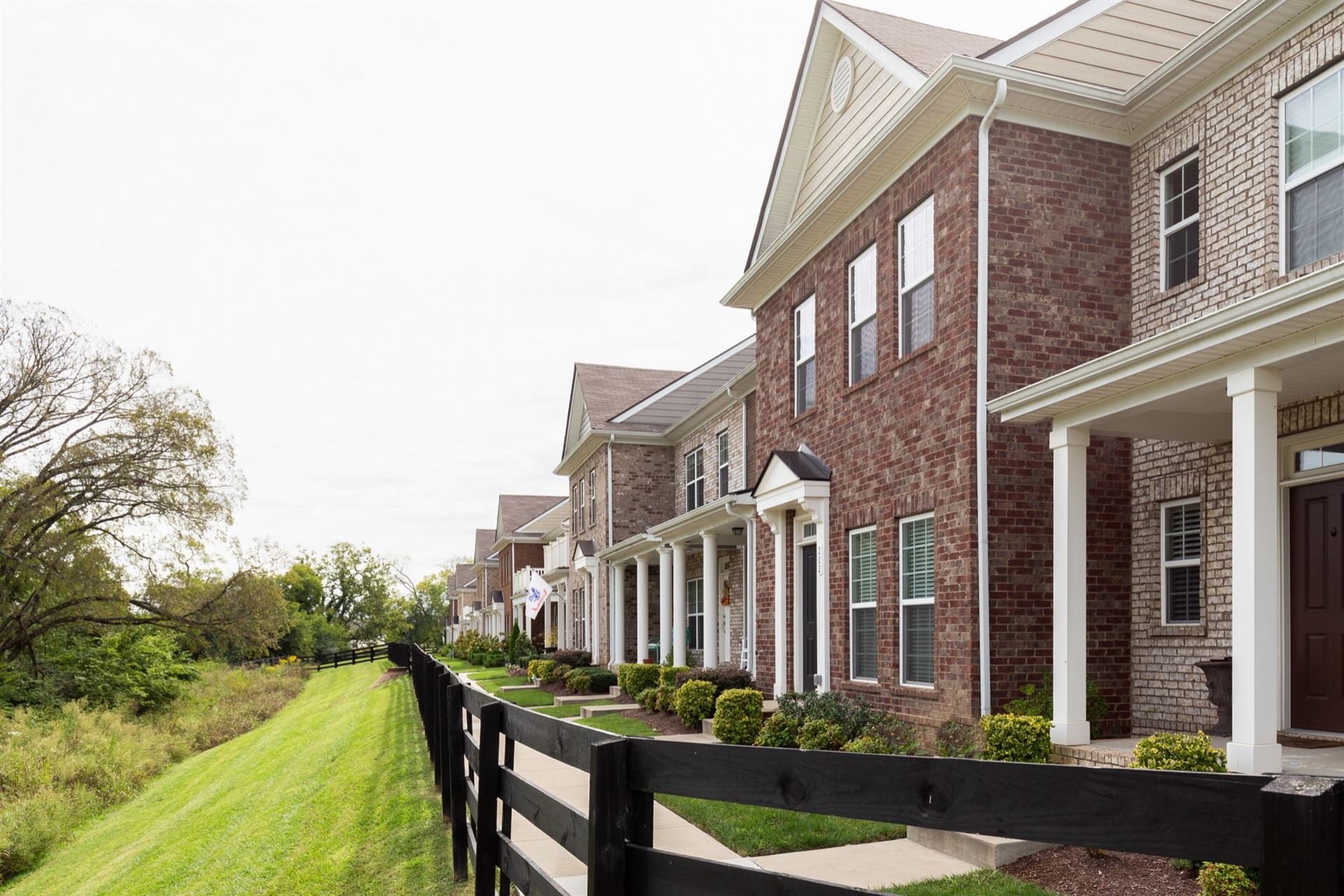 Photo of 202 Oldbury Ln, Spring Hill, TN 37174 (MLS # 2190364)