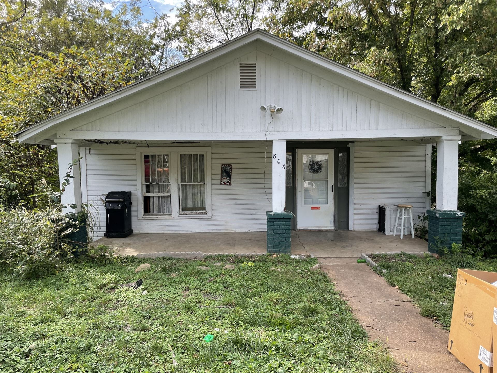 806 Central Ave, Clarksville, TN 37040 - MLS#: 2300369