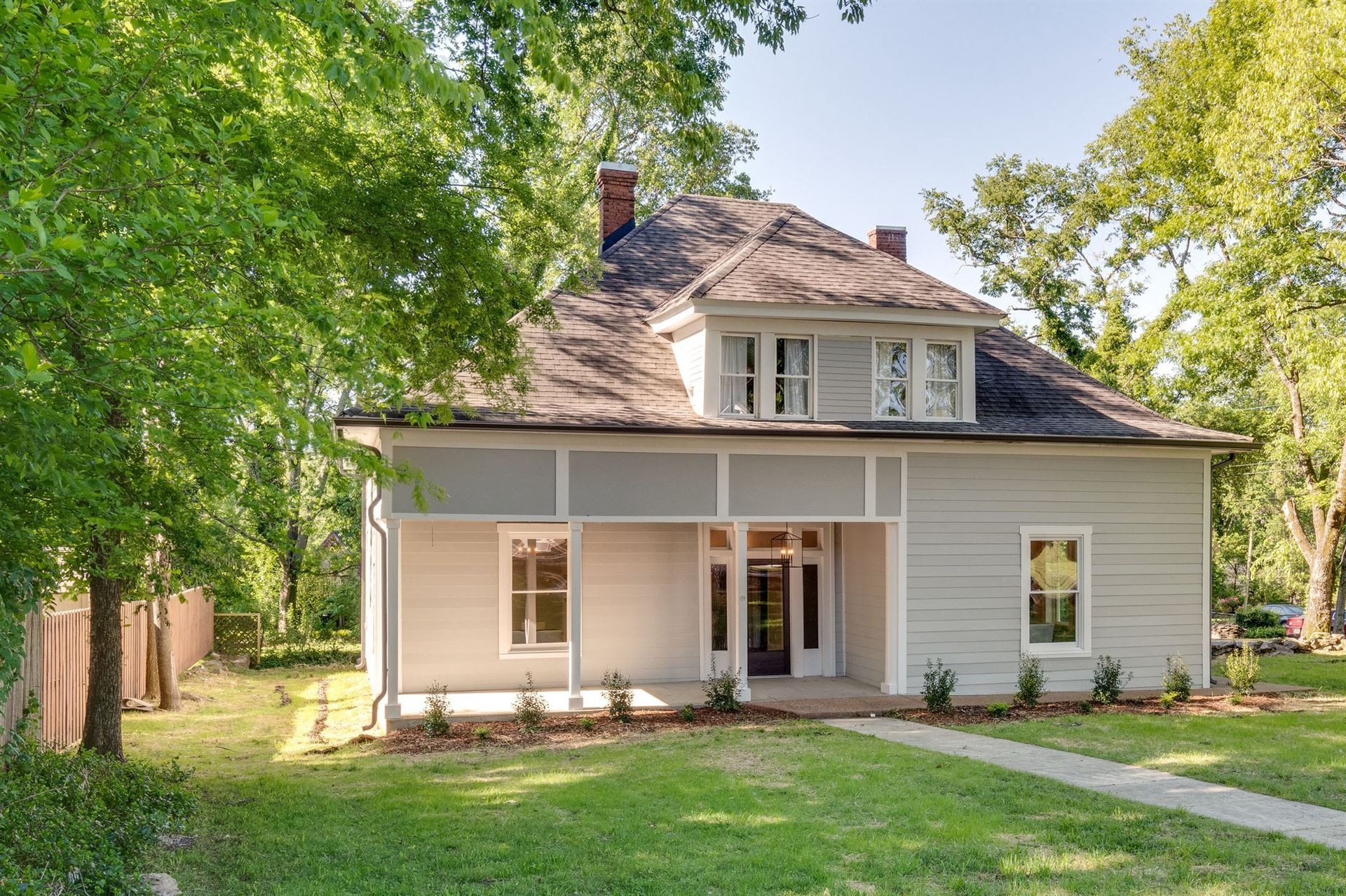 Photo of 713 Trotwood Ave, Columbia, TN 38401 (MLS # 2169381)