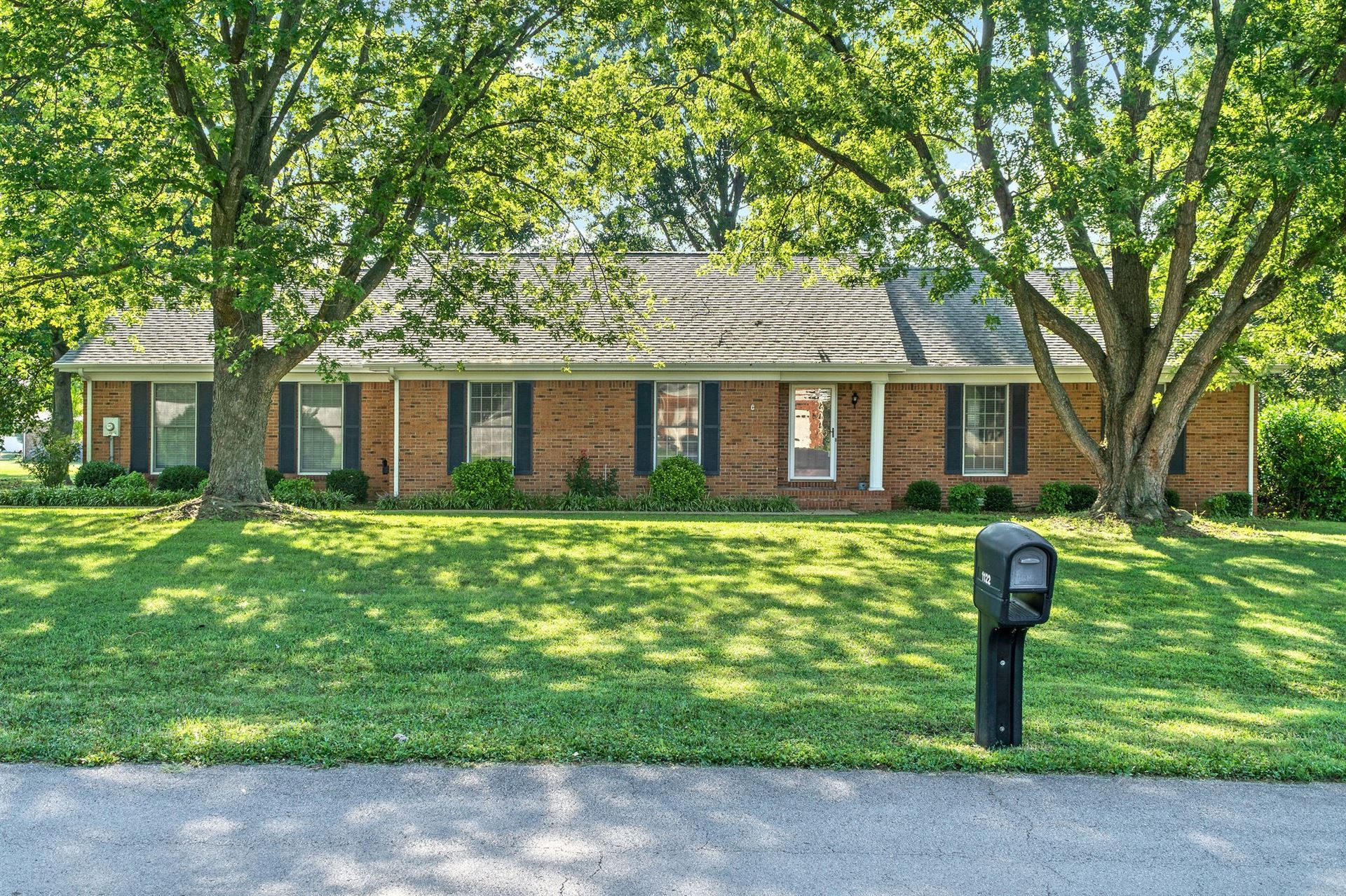 1119 Pin Oak Dr, Hopkinsville, KY 42240 - MLS#: 2285381