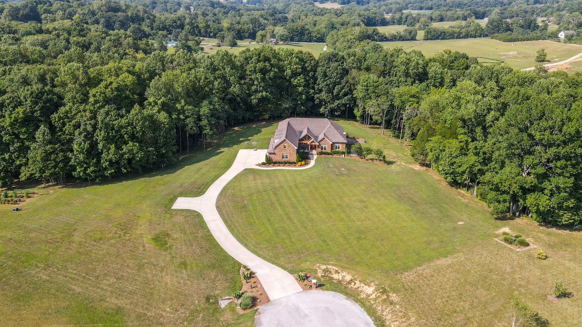 Photo of 3530 Prominence Dr, Spring Hill, TN 37174 (MLS # 2286385)