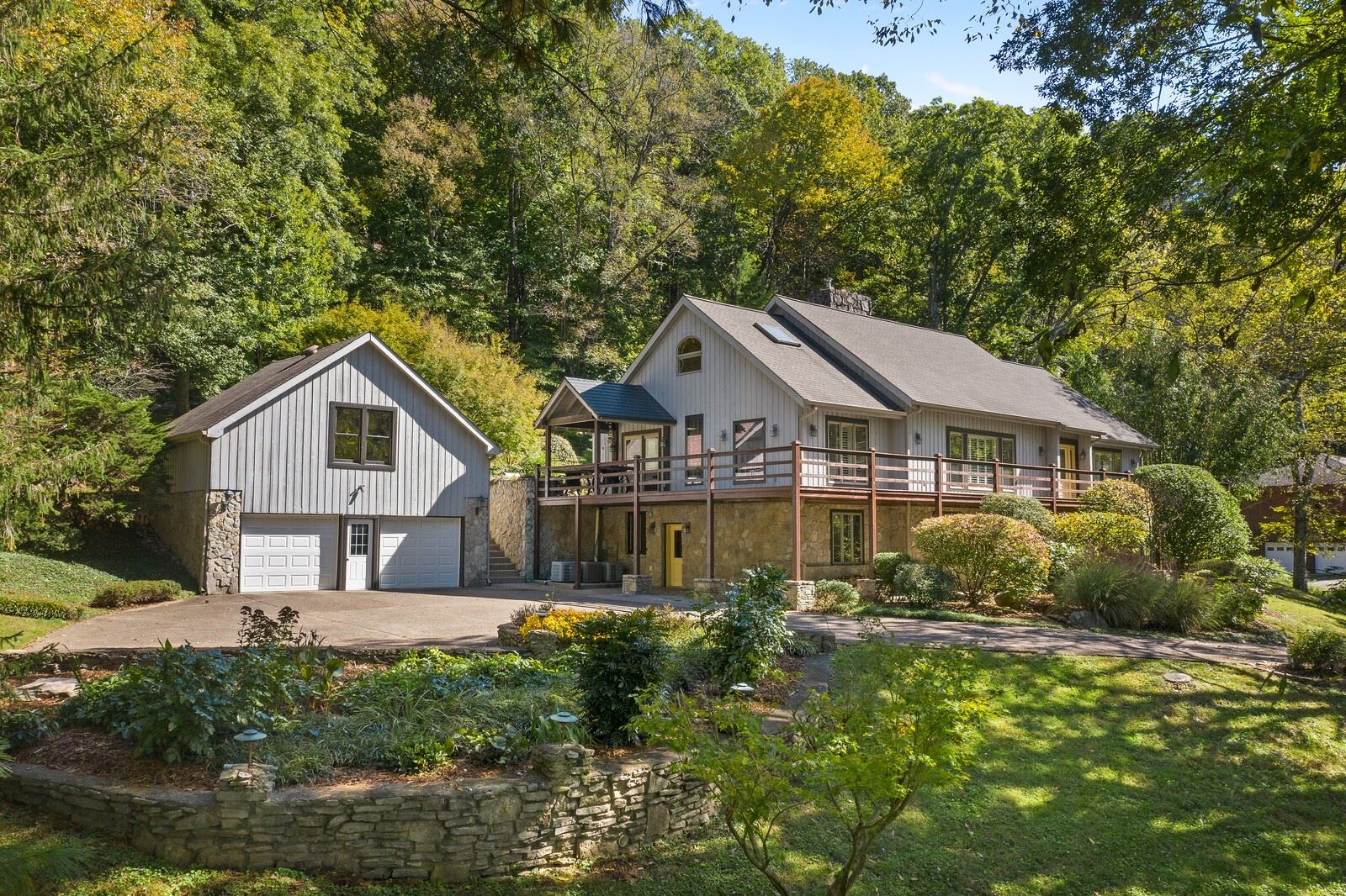 Photo of 888 Holly Tree Gap Rd, Brentwood, TN 37027 (MLS # 2201389)