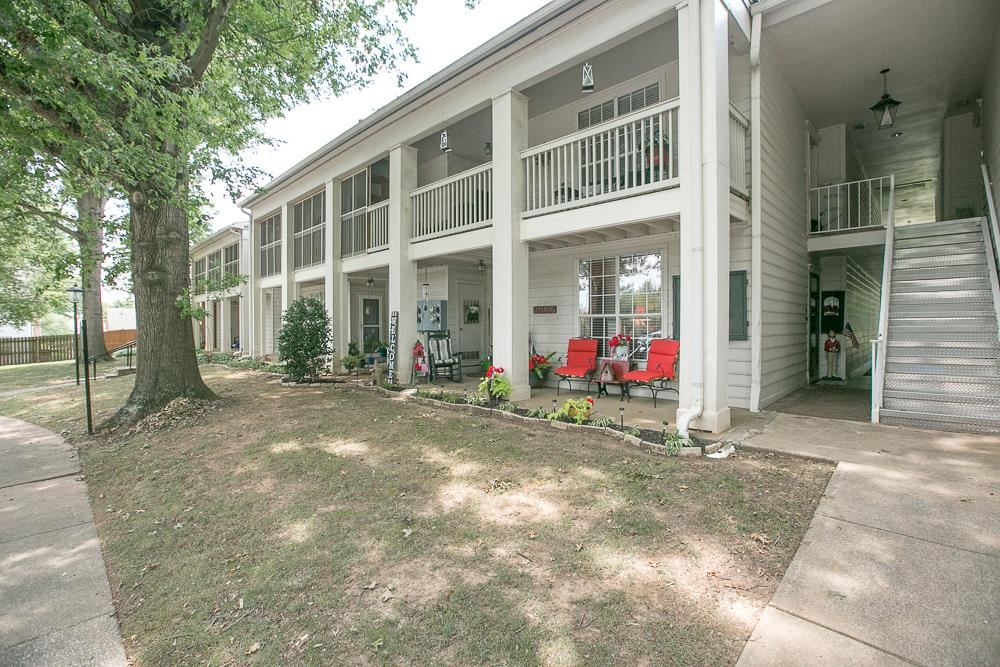 Photo for 1280 Middle Tennessee Blvd #G-9, Murfreesboro, TN 37130 (MLS # 2060400)
