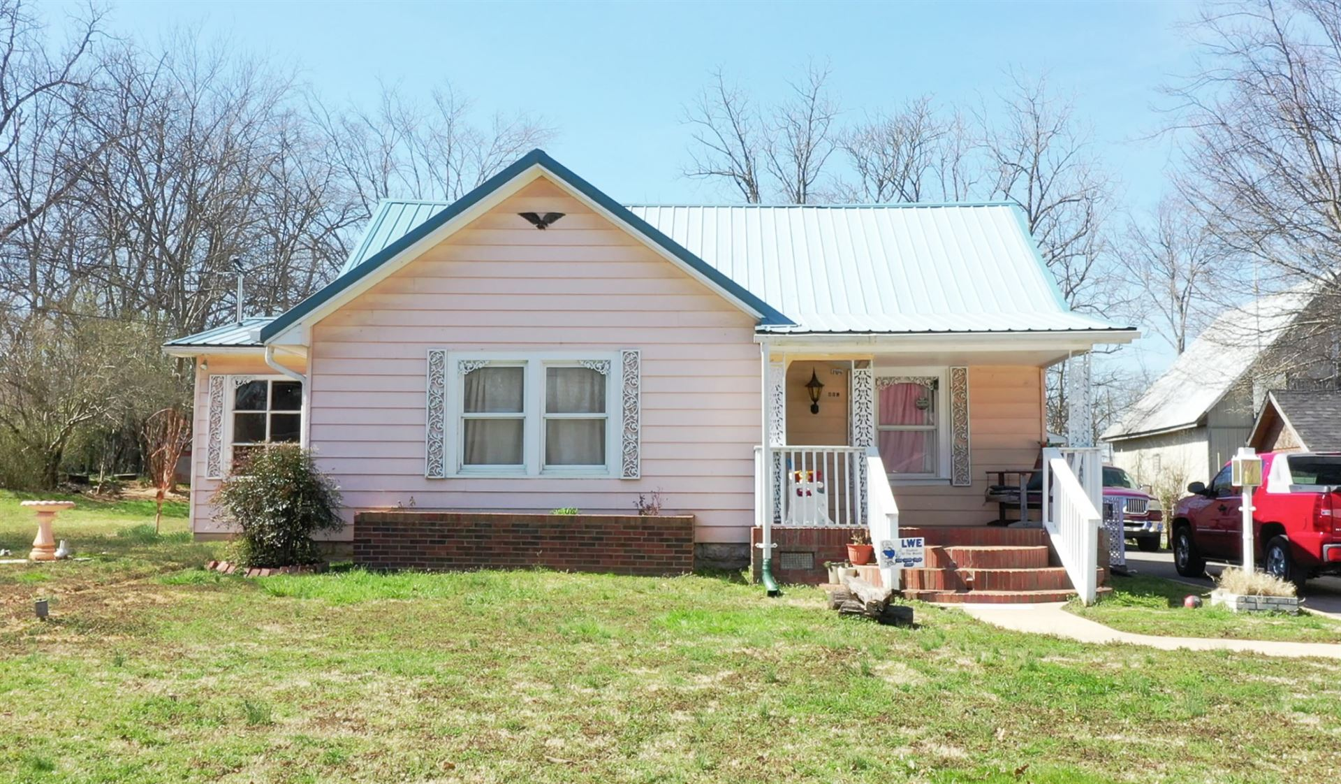 104 Burt St, Shelbyville, TN 37160 - MLS#: 2233408