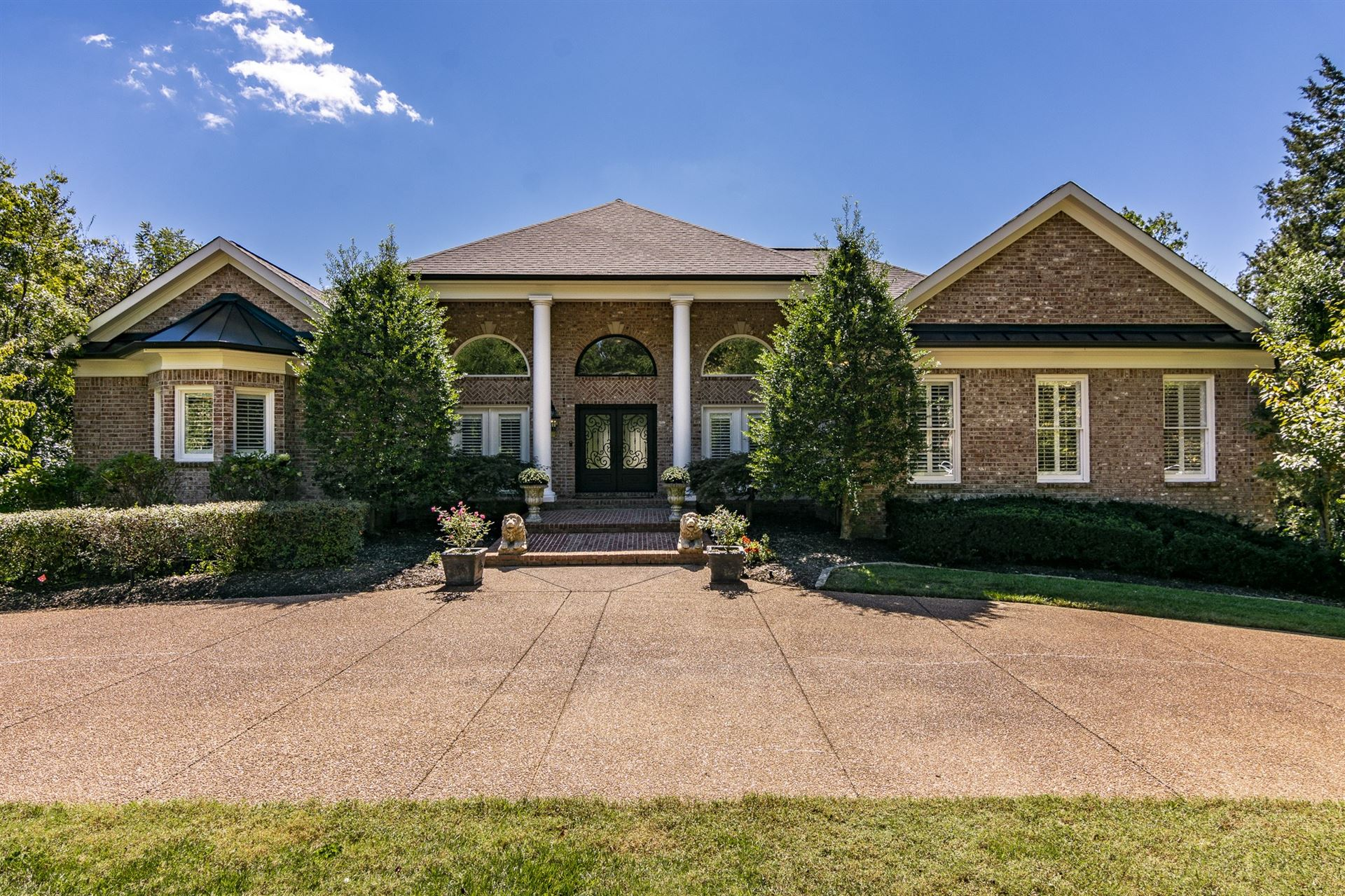 Photo of 9461 Winston Dr, Brentwood, TN 37027 (MLS # 2292413)