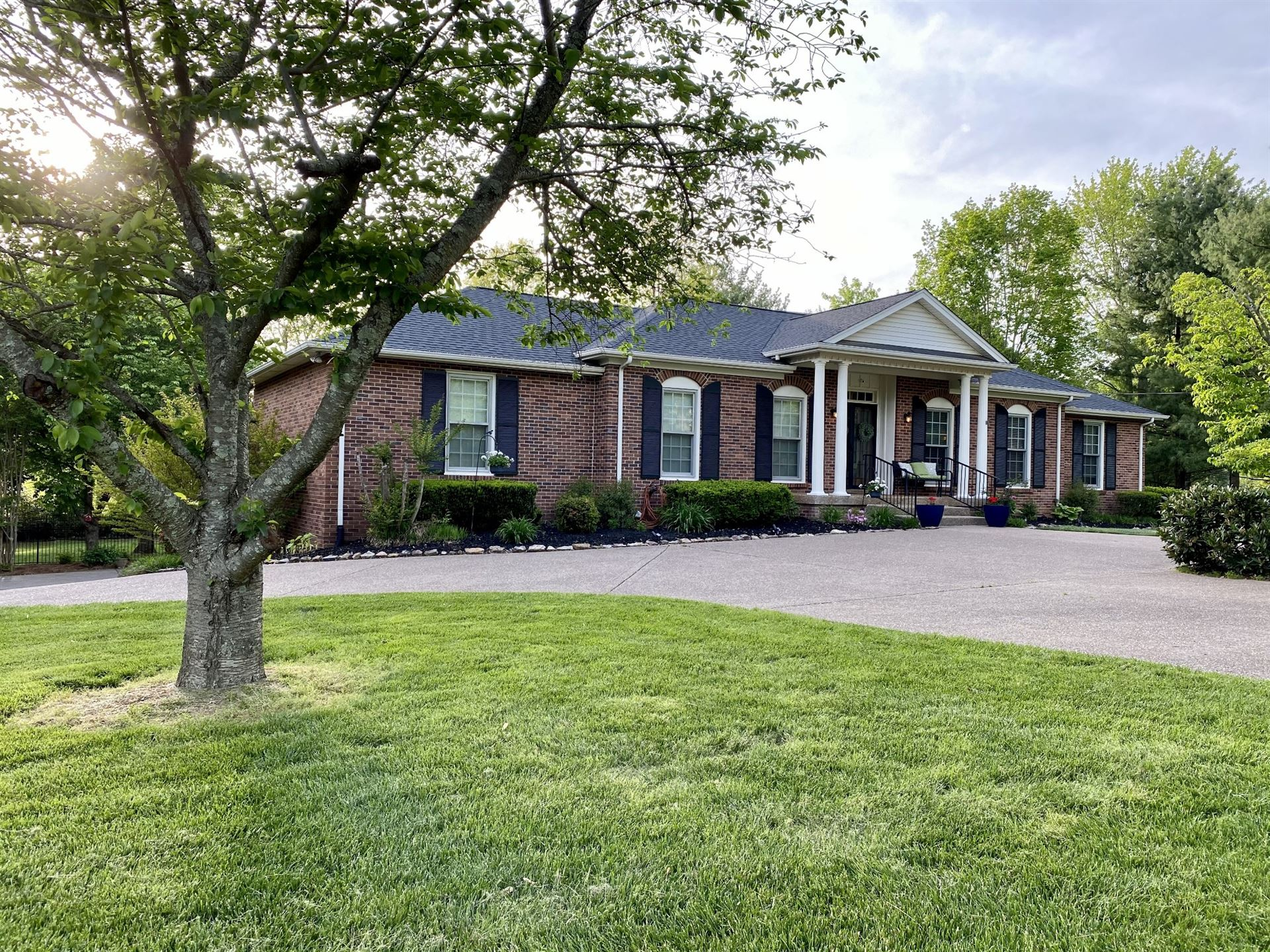 Photo of 915 Steeplechase Dr, Brentwood, TN 37027 (MLS # 2248415)