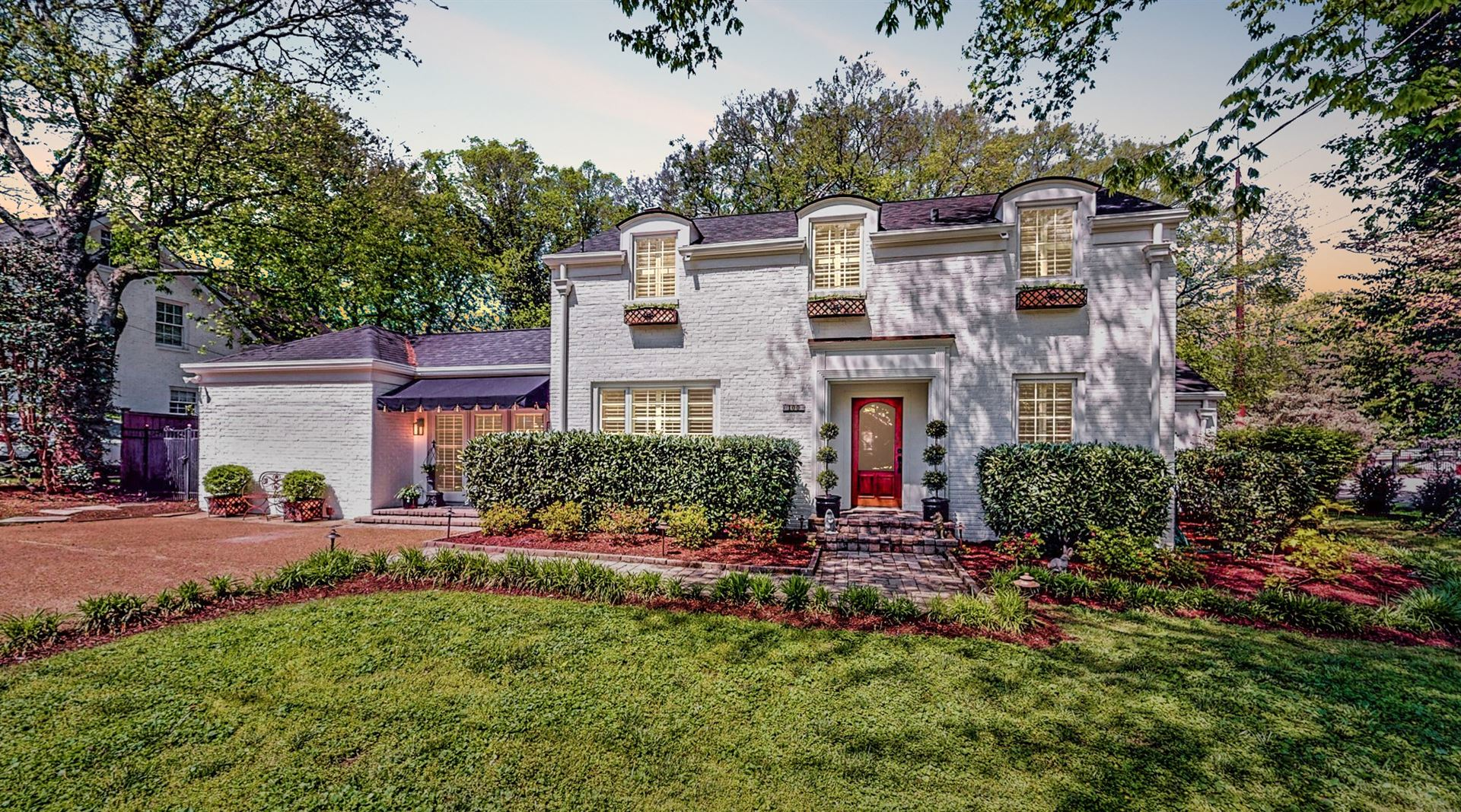 Photo of 100 Lincoln Ct, Nashville, TN 37205 (MLS # 2143423)