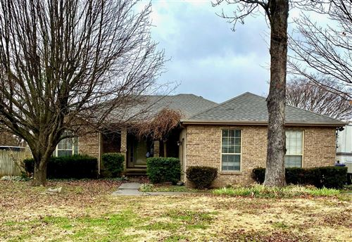 Photo of 621 Rocky Ridge Cir, LaVergne, TN 37086 (MLS # 2231427)