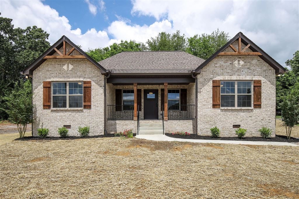 Photo for 2229 Old Greenbrier Pike, Greenbrier, TN 37073 (MLS # 2050430)